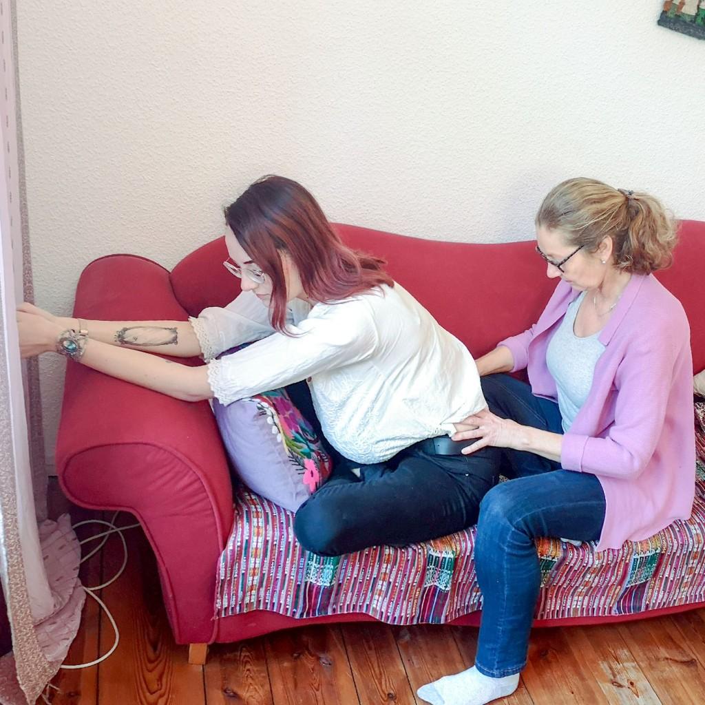 Foto: Christiane Ulrich, Schwangerschaftsbeschwerden - Rückenmassage